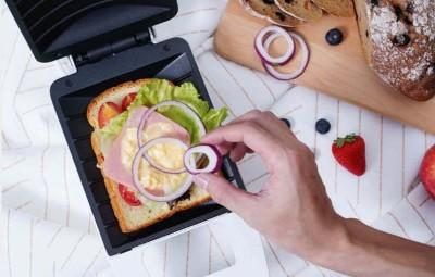 Внимание, готовит сэндвичница: от горячих бутербродов до ароматного стейка