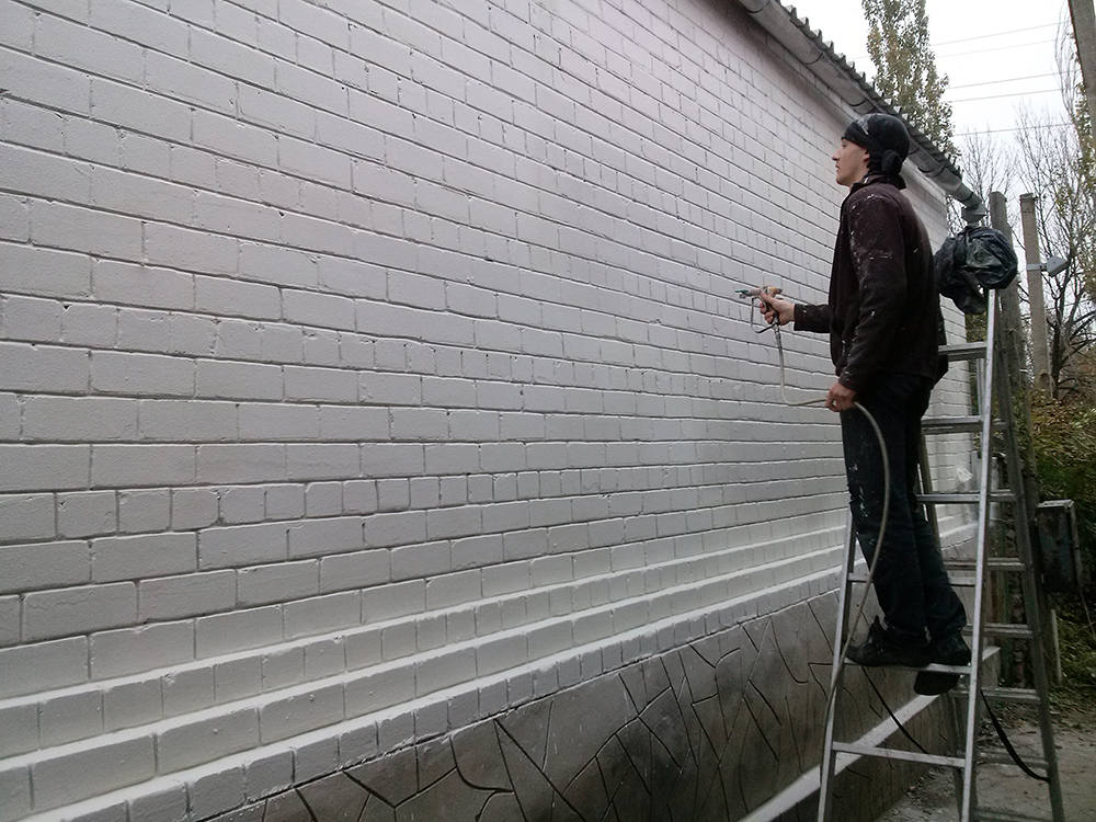 теплоизоляция жилых помещений (как внутренняя, так и наружная);