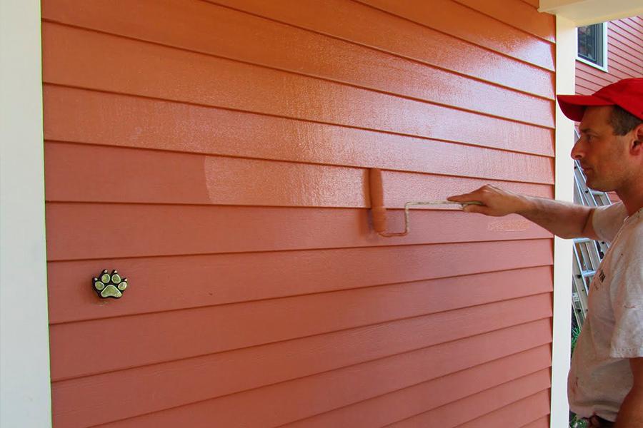окраска наружных стен, как с деревянной обшивкой, так и оштукатуренных или кирпичных;